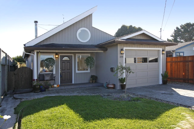324 Metzgar St, Half Moon Bay | $575,000