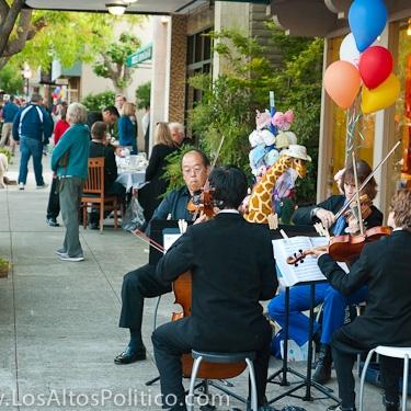 Los-Altos-First-Friday-May-Flowers-4.jpg