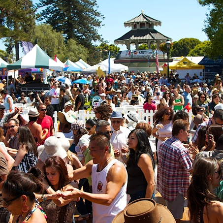 680-Crowd_Dancers_Pagoda_Credit_Ken_Jones.jpg