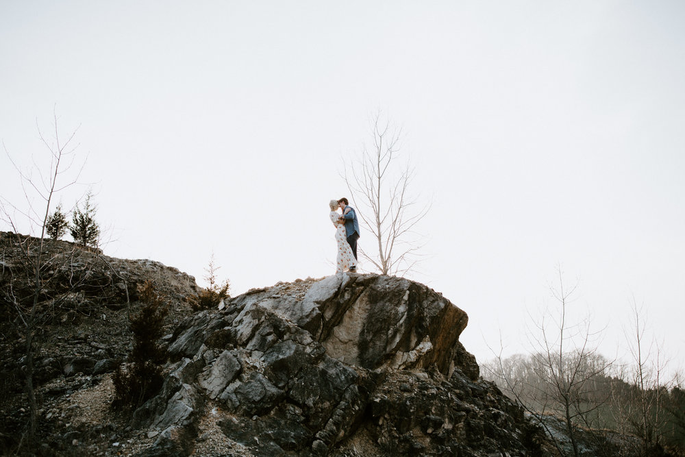 ST LOUIS MISSOURI -- ADVENTURE ENGAGEMENT COUPLE PHOTOGRAPHER -- EMMA WHITING-108.jpg