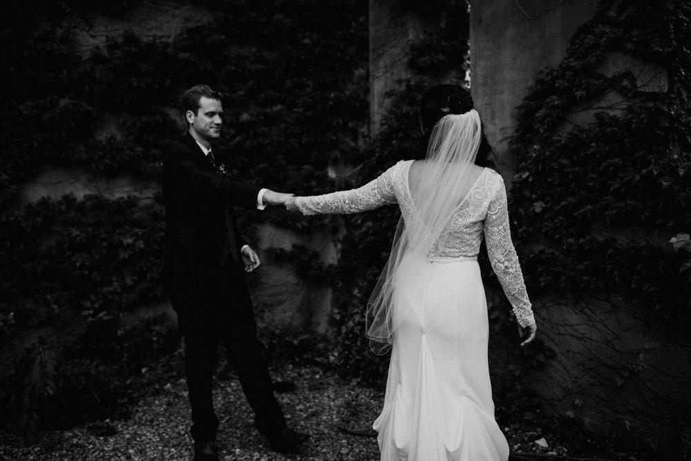 st-louis-missouri-wedding-photographer-tower-grove-park-sheldon-concert-hall-steph+phil-862.jpg