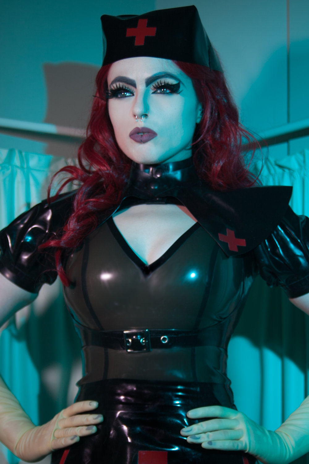 London Domina Empress Poison