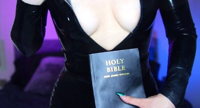 Which one will you prey to? 😏 #dominatrix #mistress #rubber #latex #religousfetish #blasphemy #satan #hailsatan #shedevil #iwantclips #clips4sale #holybible #altgirl #alternativegirl #piercedgirl #gothgirl #cult #cultfetish #cleavage