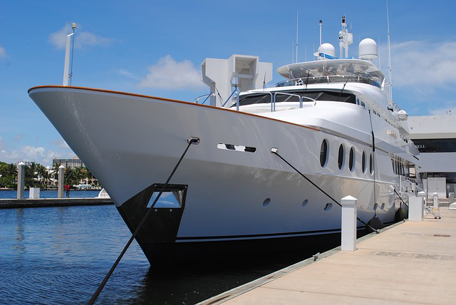 LUX Life: Yacht Party Rental