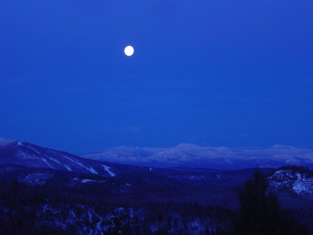 FAA Blue Moon.jpg