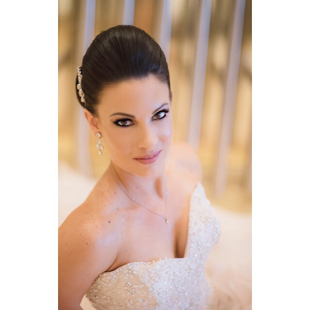 My #Gorgeous #Bride Rebecca! I just adored our time together. 👰🏼💍 📸 @togetherweclick  #Hair & #Makeupbyme #LinzDartistry #wedding #weddinghair #weddingmakeup #weddingdress #bridalmakeup #lasvegasmakeupartist #vegasmakeupartist #vegas_nay