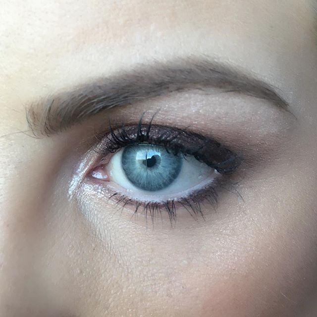 Up close & personal with @mariaharmknecht 🎨🙌🏻 those eyes though... 👀 #vegasmakeupartist  #lasvegasmakeupartist  #Makeupartist #makeupjunkie #vegas_nay #makeupaddict #makeupeyes