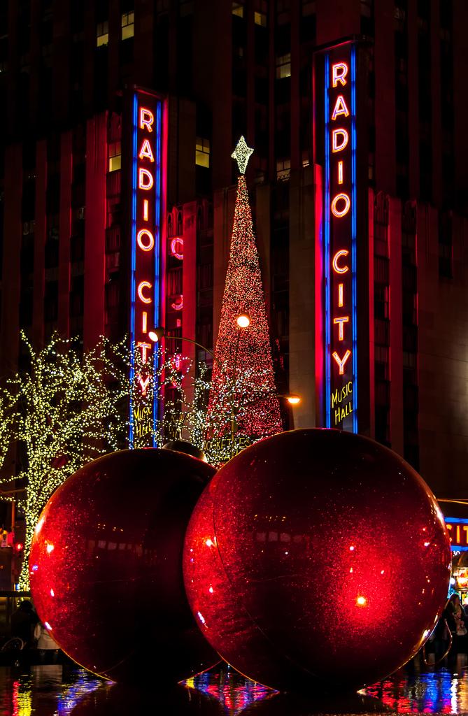New_York_Radio_City_Christmas.jpg