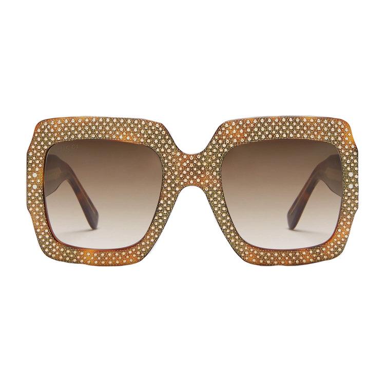 """Sold out en el mundo entero, más que un favorite estas lentes de Gucci son """"el objeto del deseo"""" .De forma cuadrada, están recubiertas de strass y cristales dorados creando un efecto """"magnético"""" con el reflejo de la luz .       www.gucci.com      www.sakfifthavenue.com"""