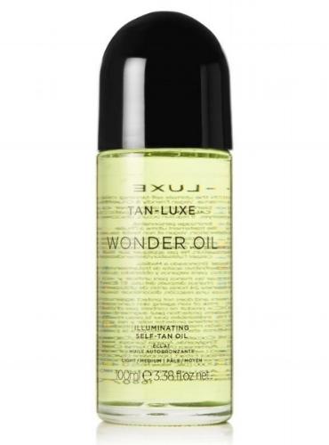 """Illuminating  Self-Tan Oil  Tan-Luxe """"Wonder Oil"""" regala un tono radiante y natural a la piel, sin tener que exponerse a los rayos ultravioletas . Este innovativo autobronceador está hecho con una mezcla de aceites hidratantes que incluye Jojoba, Argan y semillas de moras que nutren y rinden elástica la piel. Viene en dos versiones, una """"Light/Médium"""" para cutis más claras y otra """"Médium/Dark"""" para las pieles más oscuras.   https://www.tan-luxe.com/products/wonder-oil?variant=7275925438510"""