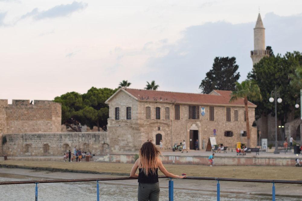 Castillo medieval de Lárnaca en el paseo marítimo.