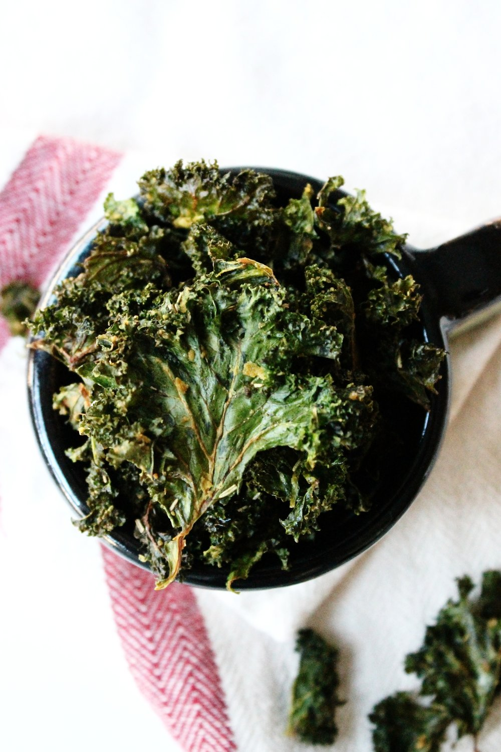 "Rosemary and garlic ""cheesy"" kale chips 