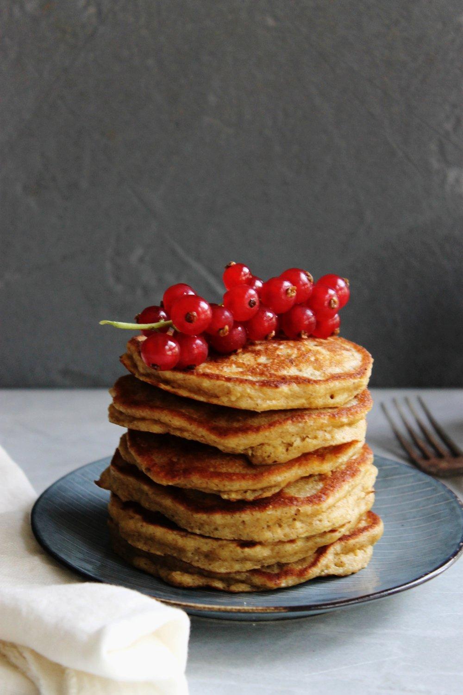 Banana oat pancakes {gluten free} | Beloved Kitchen