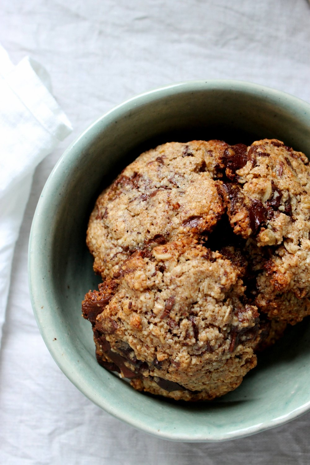The best gluten free chocolate chunk cookies | Beloved Kitchen