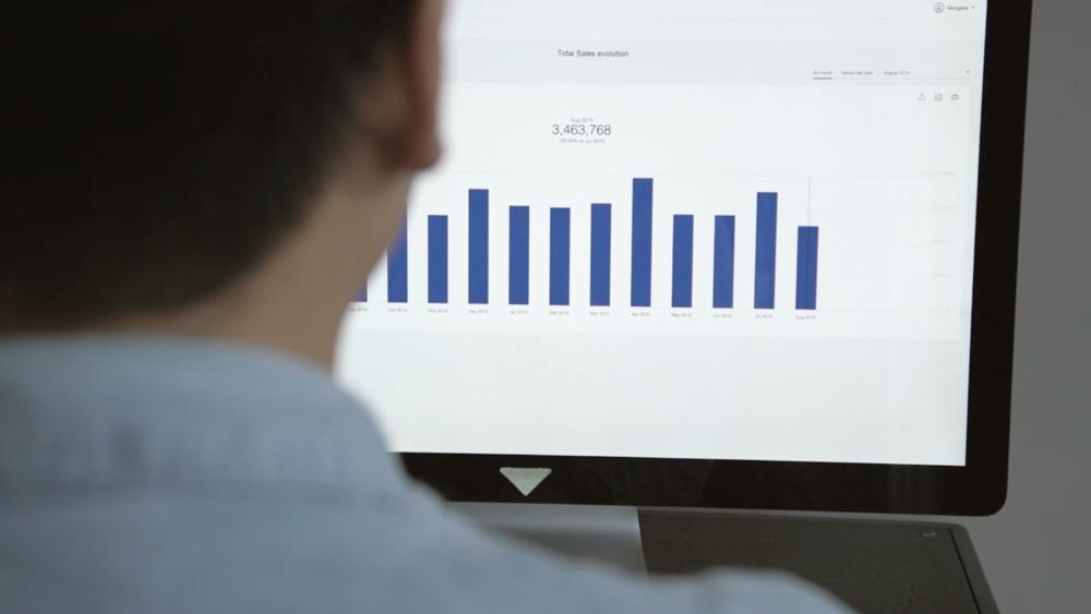 LA PLATEFORME - Captain Dash Plateform est une solution en mode SAAS qui industrialise et ré-invente le reporting.Du smartphone au datawall vous allez vivre un management visuel d'exception.