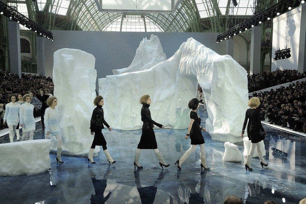 most-ridiculous-chanel-shows-ever-03-1200x800.jpg