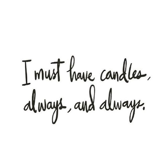 Treat yo'self! Candles are now available on our website! Be your own Valentine 😉😘