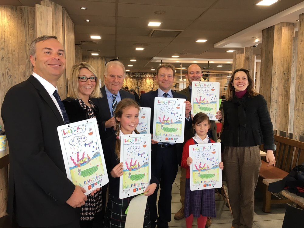 CM and Sir Roger Gale MP Litter Angels competition group pic Mar19.jpg