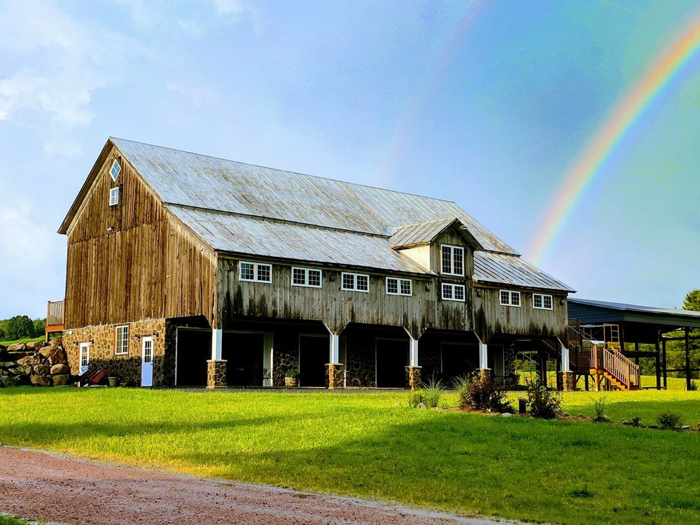 trillium creek wedding barn.jpg