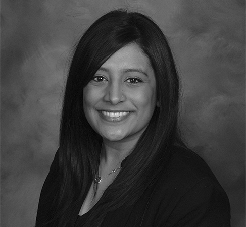 Roshni DavE, Ma, LcPC Staff Therapist