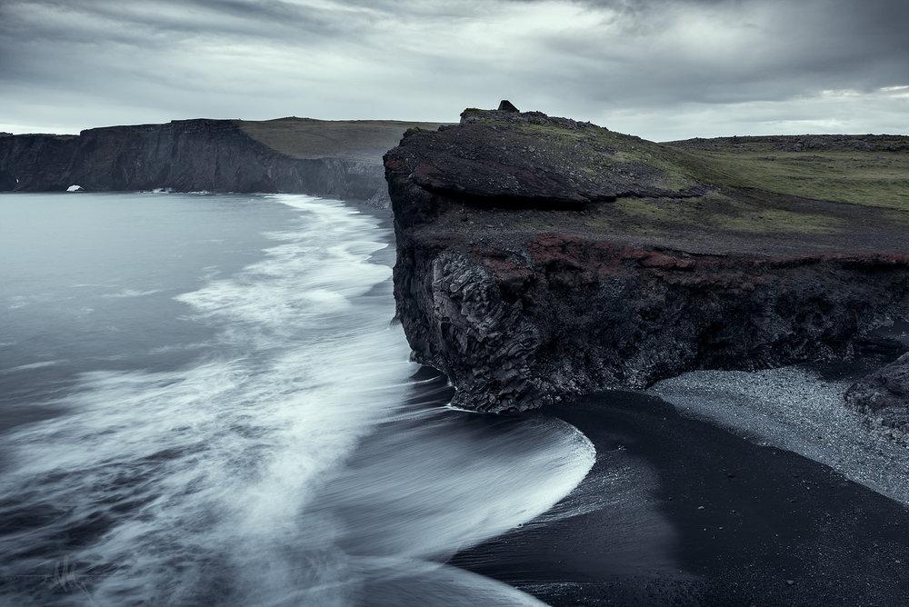 dyrholaey_side_cliff.jpg