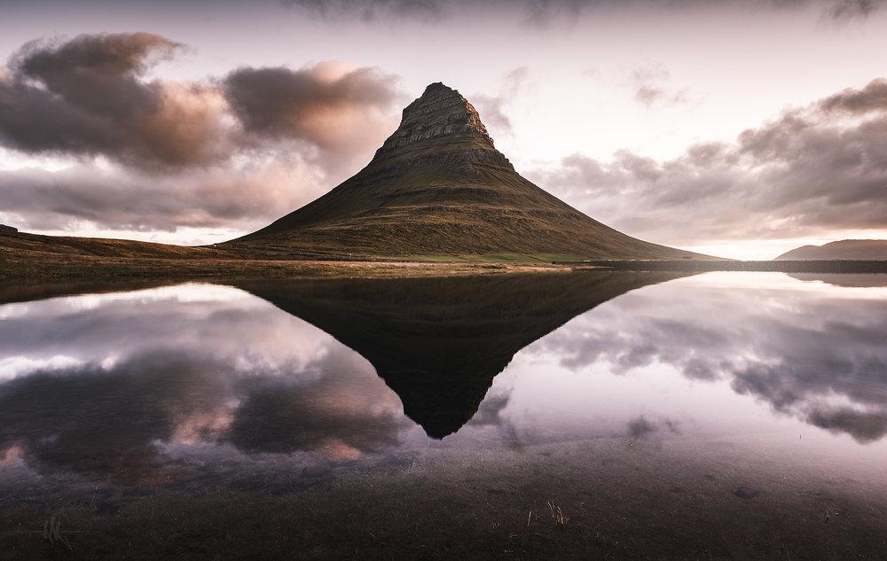 kirkjufell reflection.jpg