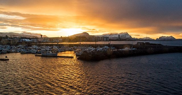 Our home last night! The beautiful ship most prominent in the picture just left of center was made in 1935 and provided a lovely home in Bodø Norway. #norWHOA #norway #norwow #patagonia #photoftheday #photography #liverad #adventureisoutthere #adventuretravel #snow #sunset #chaconation #travel #travelphotography #norvember #scandanavia #fjord #waterfall #ocean #cloud #hiking #trekking #backpacking #winter #mountain #lake #sony #ships #port