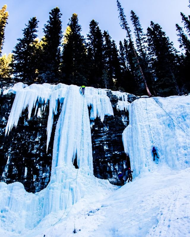 Yep, definitely want to do some ice climbing. How majestic is that! #attaelevate #adventureelevate #liverad #photooftheday #banff #banffnationalpark #alberta #visitalberta #travelalberta #adventure #adventureisoutthere #iceclimbing #icefalls #wintersports #liverad #dosomethingepiceveryday #travel #travelphotography #adventurephotography #actionsports #actionphotography  #vanlife #photographer #filmmaker #adventurefilmmaker #influencer