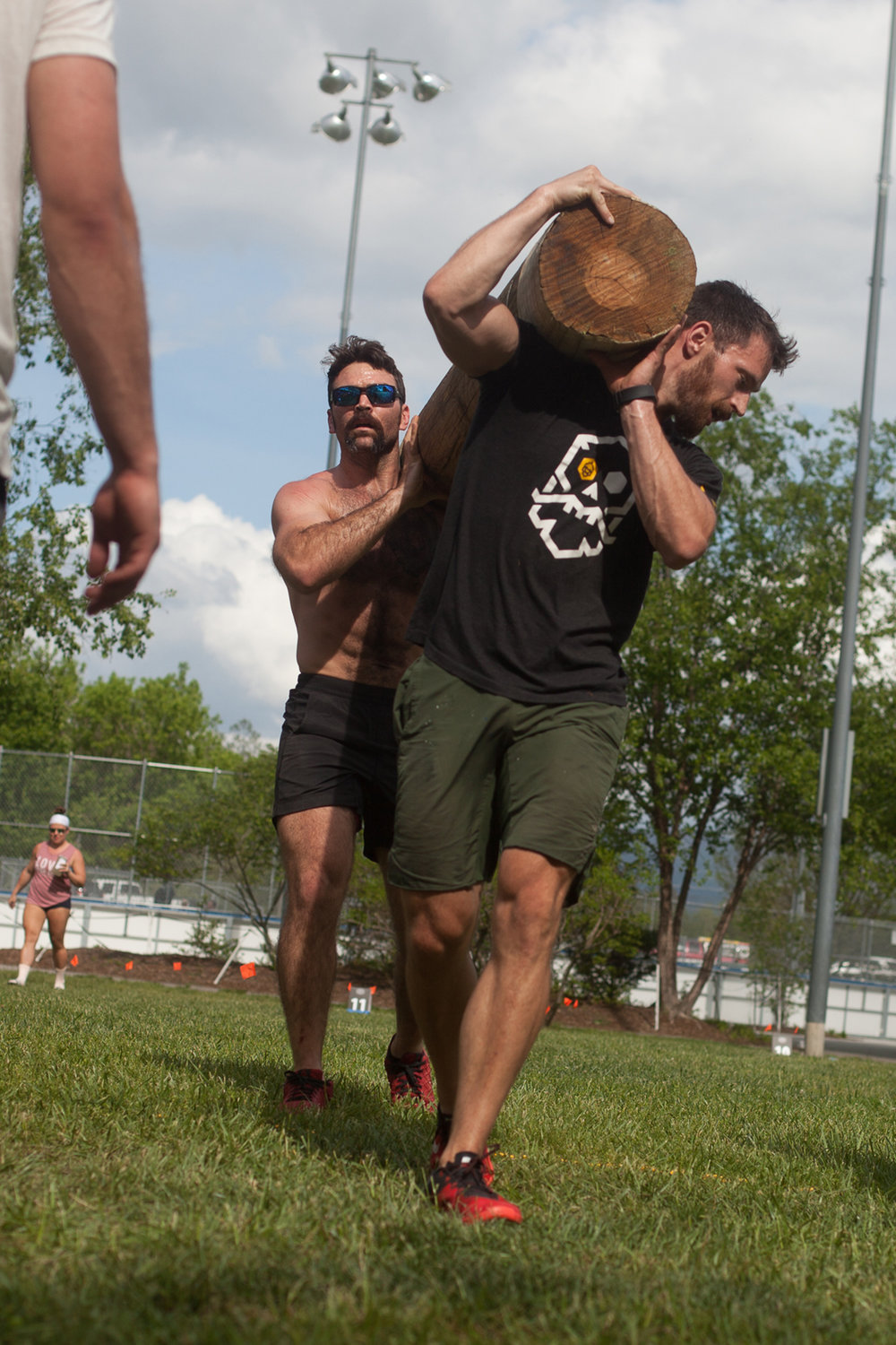 partner carry - river ruckus 2017 - asheville crossfit games