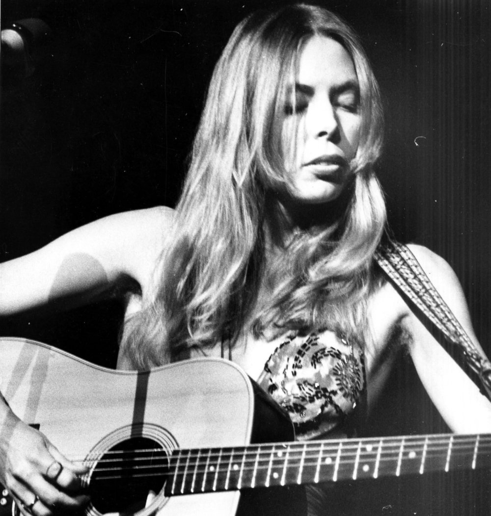 joni_mitchell_in_1974.jpg
