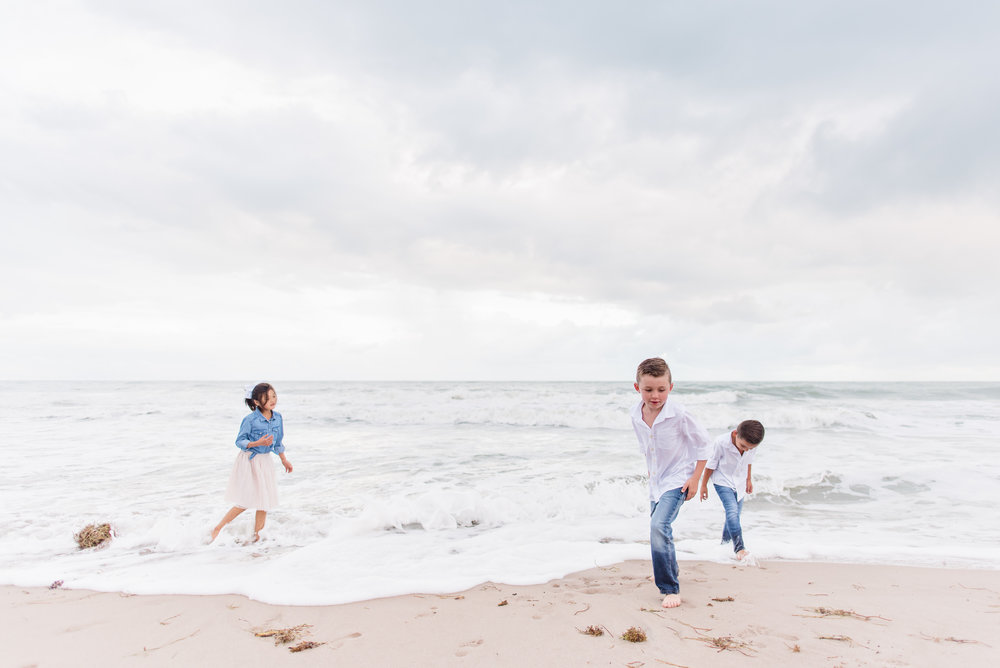 vero-beach-family-photographer-beach-session09.jpg