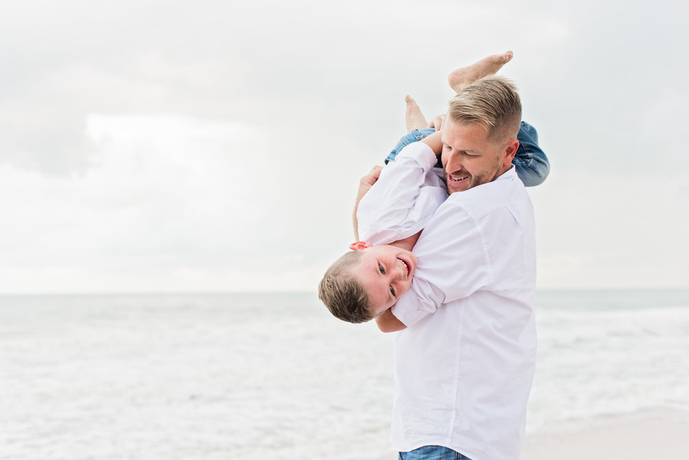 vero-beach-family-photographer-beach-session02.jpg