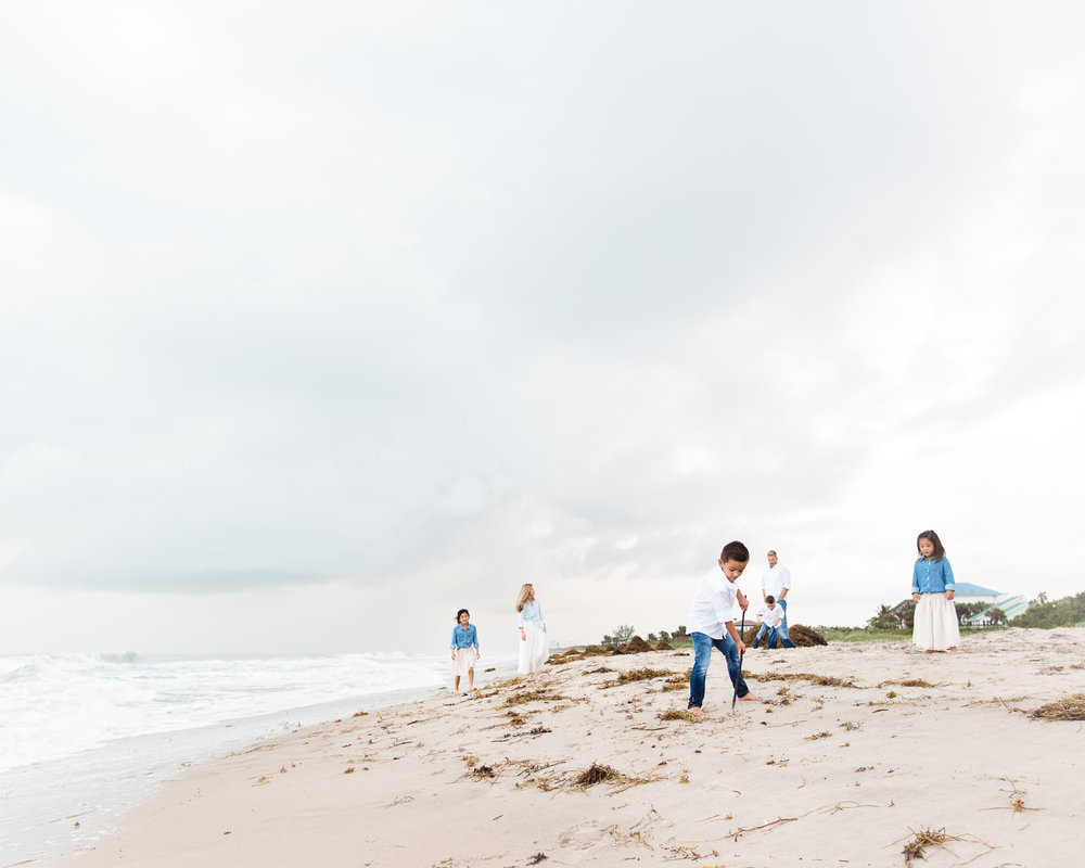 vero-beach-family-photographer-beach-session06.jpg