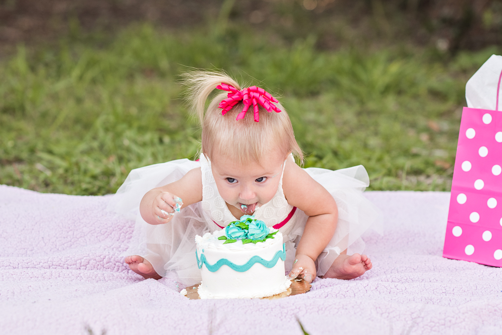baby-first-birthday-cake-smash-3.jpg