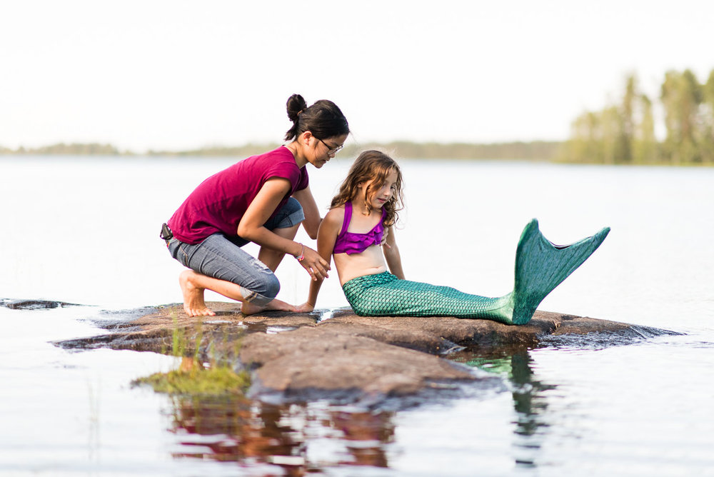 finland-mermaid-on-lake-behind-scenes.jpg