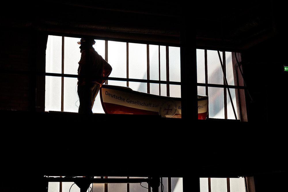 Im Westen viel Neues:zum Beispiel ein 2,4 Meter großes Sammelschiffchen der Seenotretter zu Gast in der Zeche Zollverein in Essen.