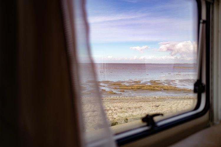 Travel Book Sweden Im Camper durch Schweden - Corporate Blog - @Carado GmbH 14 Tage Reisetagebuch • Media-Output für Kunden • LiveBlog auf Facebook • Fotografie • Video • Redaktion • Drone + Panorama Geplant: 2017 Hier geht's zur Concept-Preview-Seite