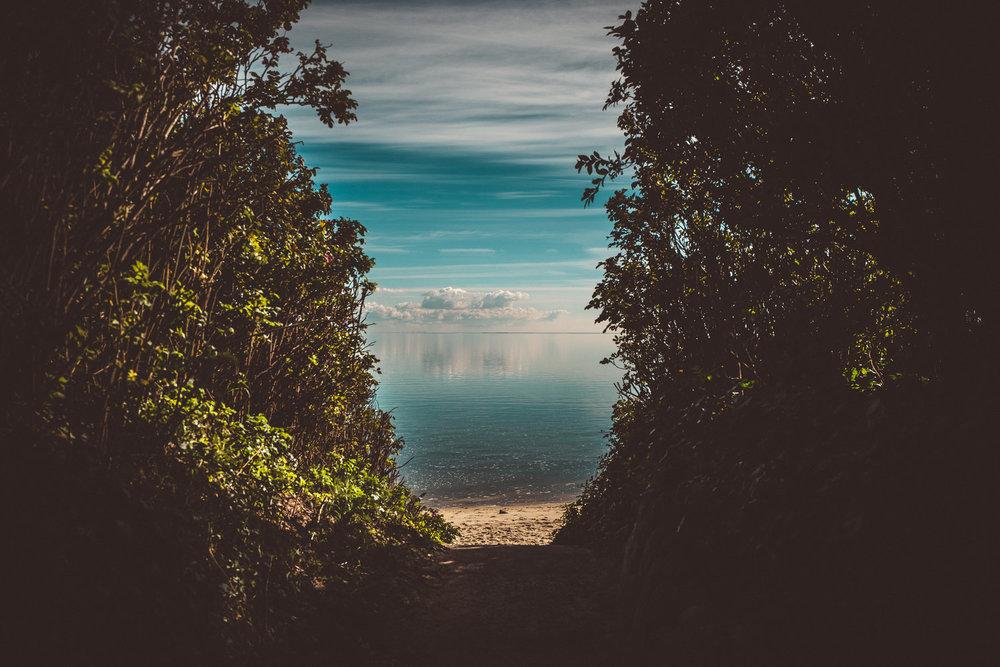Travel Book France Mit dem Camper durch Frankreich - Corporate Blog - @Carado GmbH 14 Tage Reisetagebuch • Media-Output für Kunden • LiveBlog auf Facebook • Fotografie • Video • Redaktion • Drone + Panorama Geplant: 2017