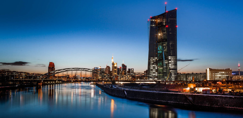 FrankfurtRiverBank.jpg
