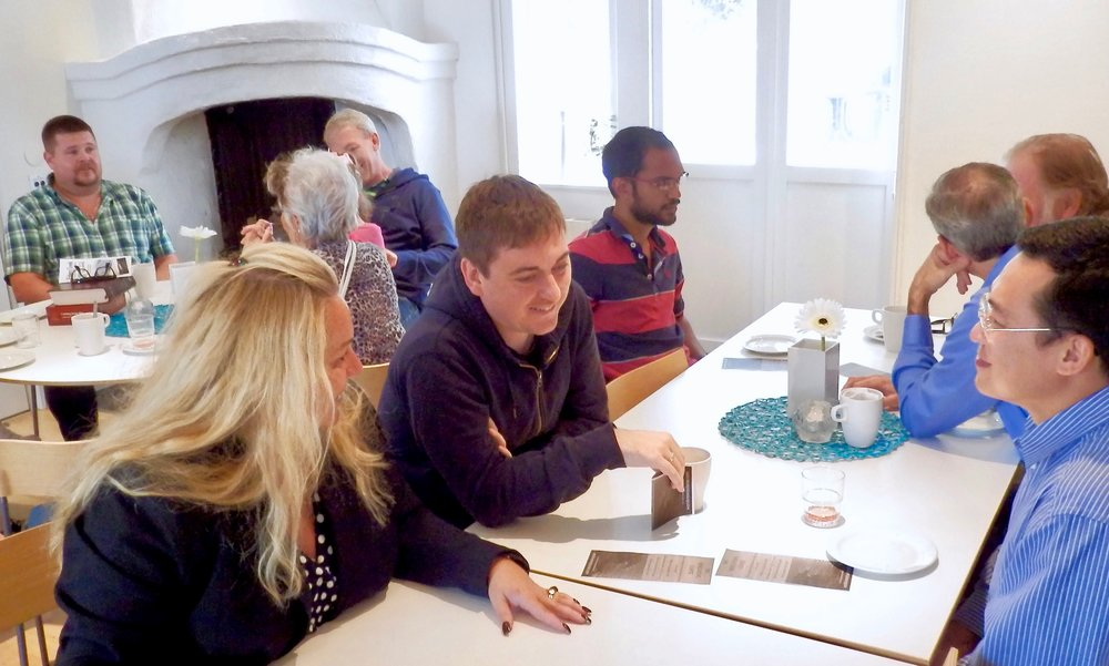 Because the Course is filmed, it is ideal for a large group setting where there are several discussion groups or for a single discussion group.