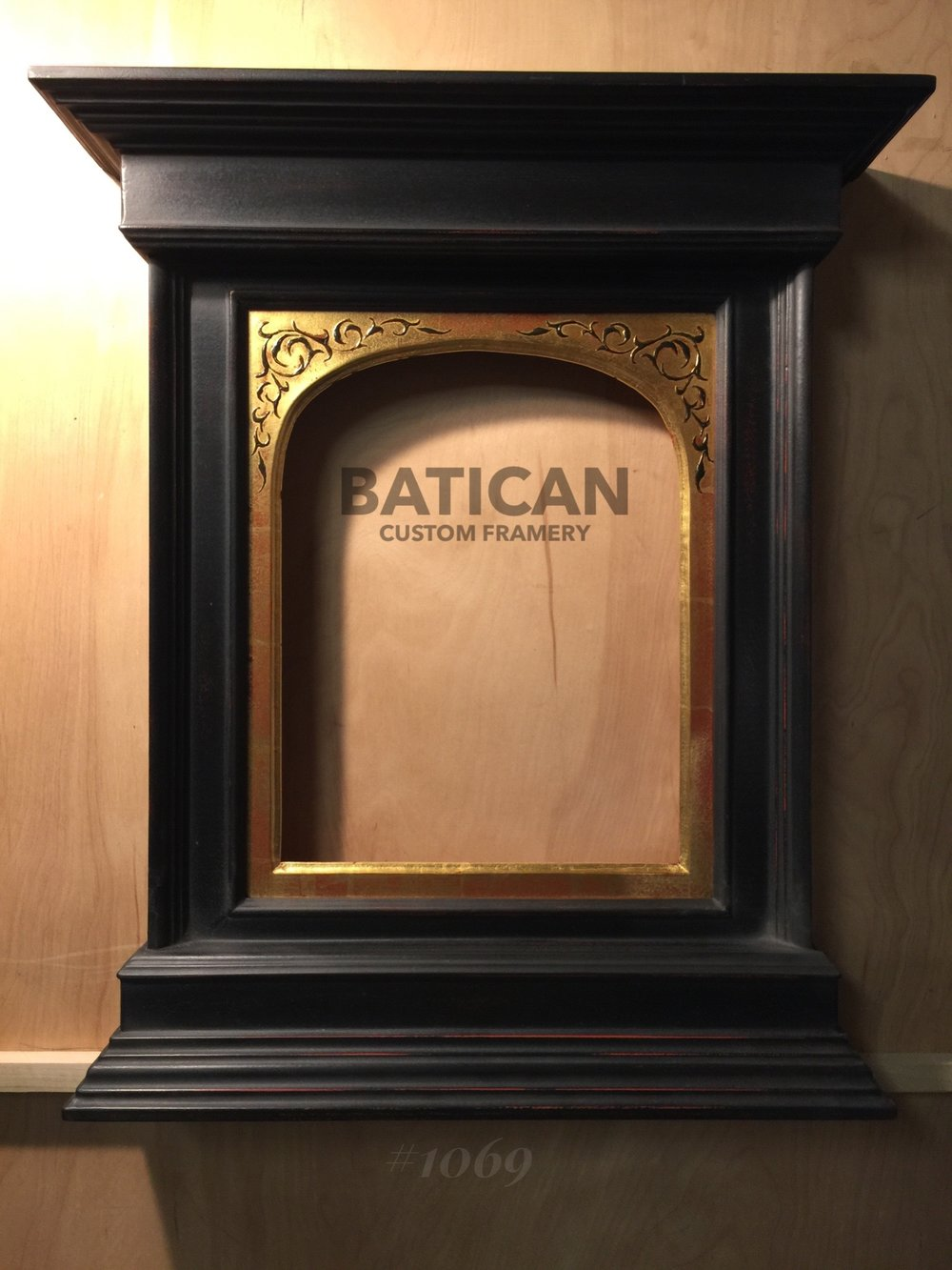 Arched Tabernacle Frame with Black Pastiglia (sold)