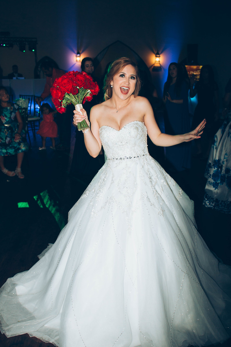 Bouquet Toss-1-X3.jpg
