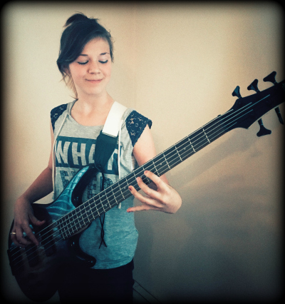 EVE WILSON // Bass, Backup Vocals
