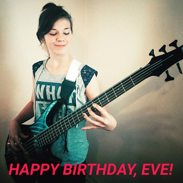 HAPPY BIRTHDAY to our amazing bassist/vocalist, Eve!! YOU ROCK!! 🎂🎁🎈🎉❤🎶🤘