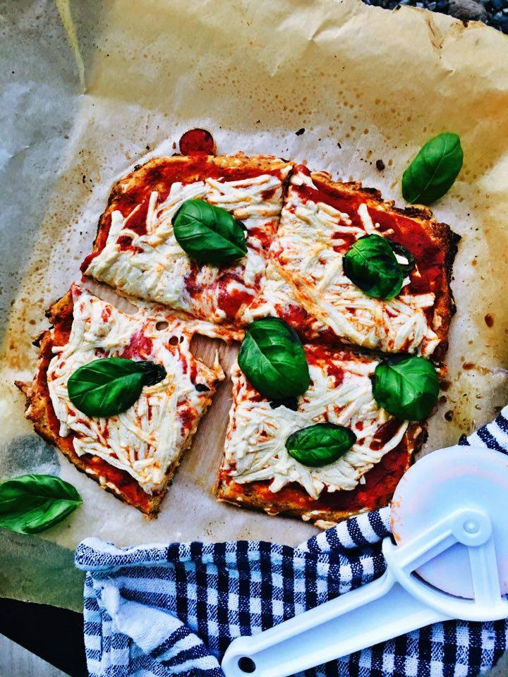 Healthy Margherita Pizza