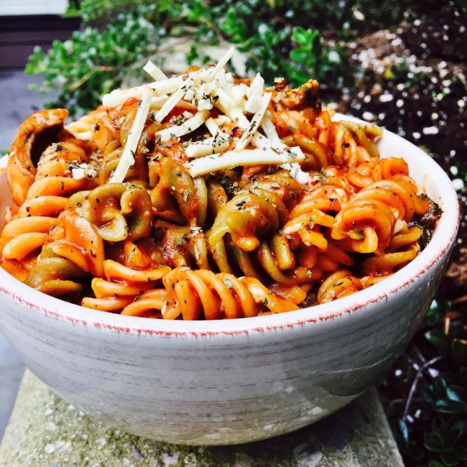 daiya-mozzarella-with-veggie-pasta.jpg