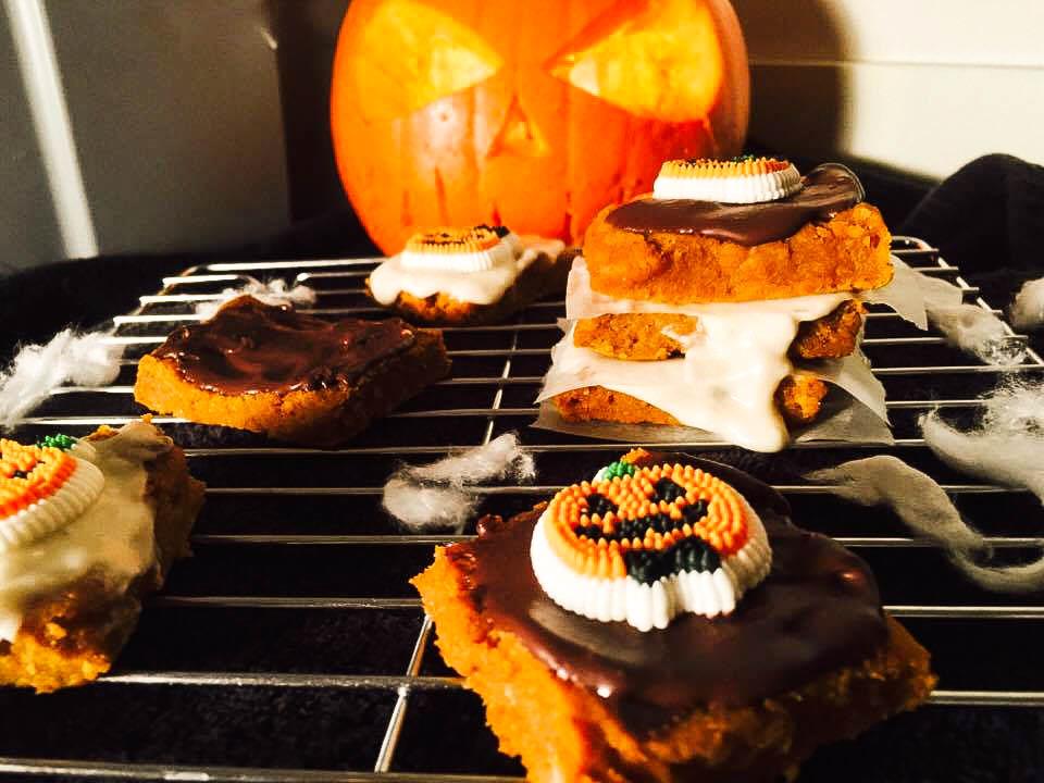vegan-pumpkin-bar-halloween