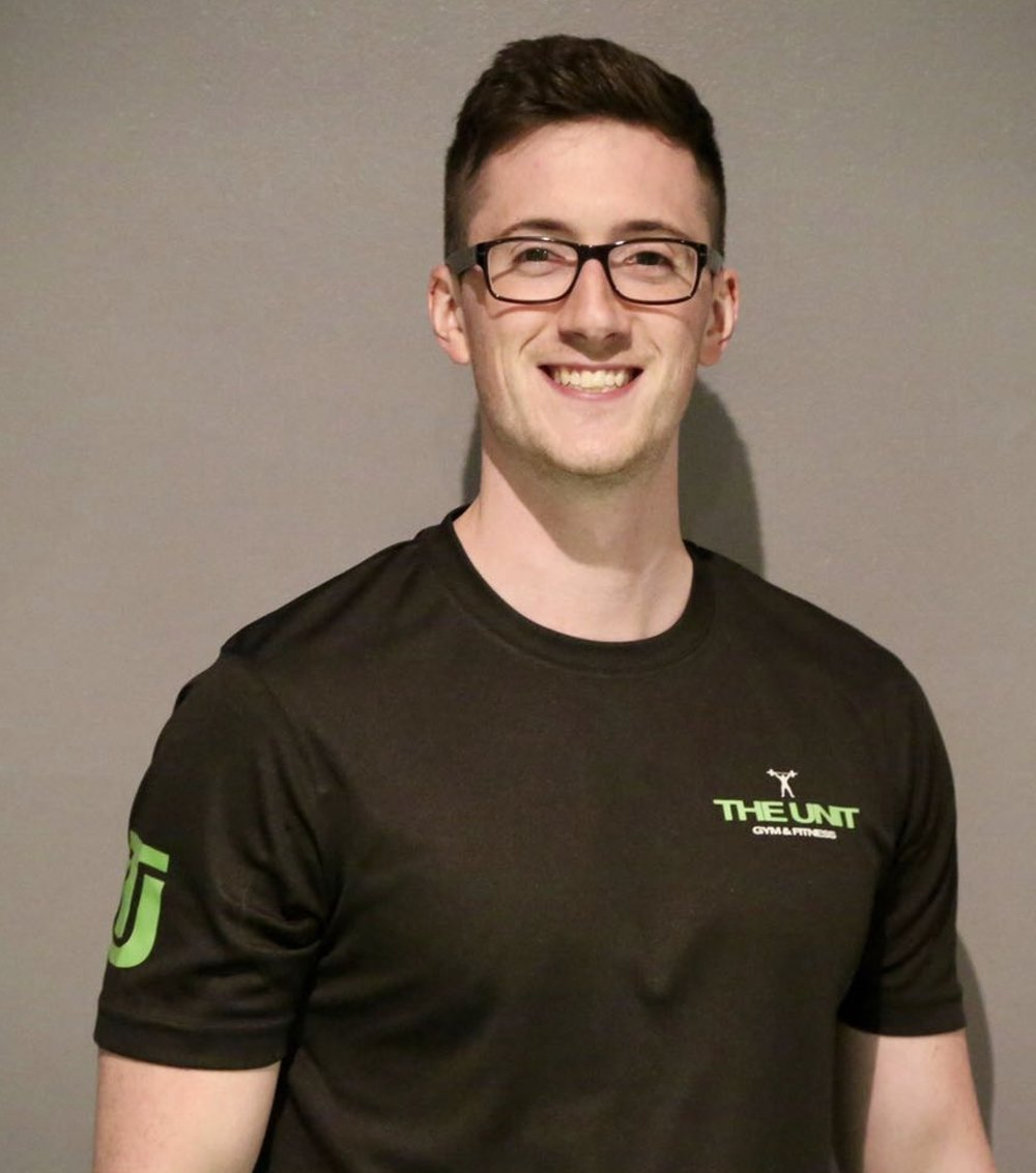 BEN SMITH   Ben has over 8 years experience coaching clients to achieve their goals.  His passion for strength and conditioning and no-nonsense nutrition lead his clients to move, feel and look their best.