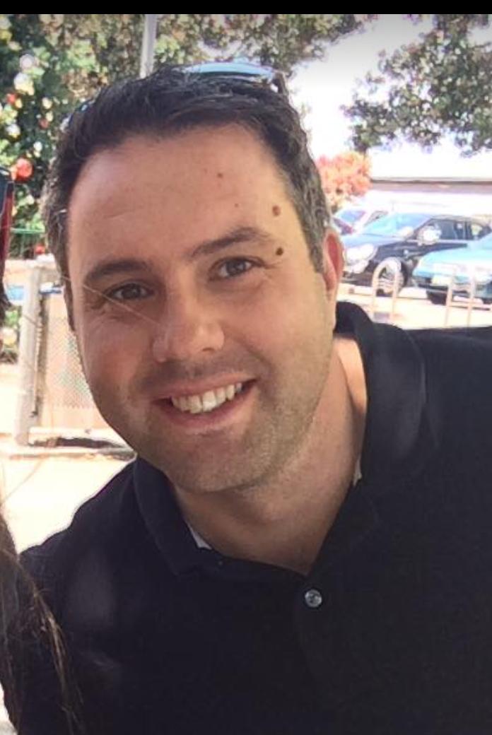 Adam O'Gram   i  Managing director