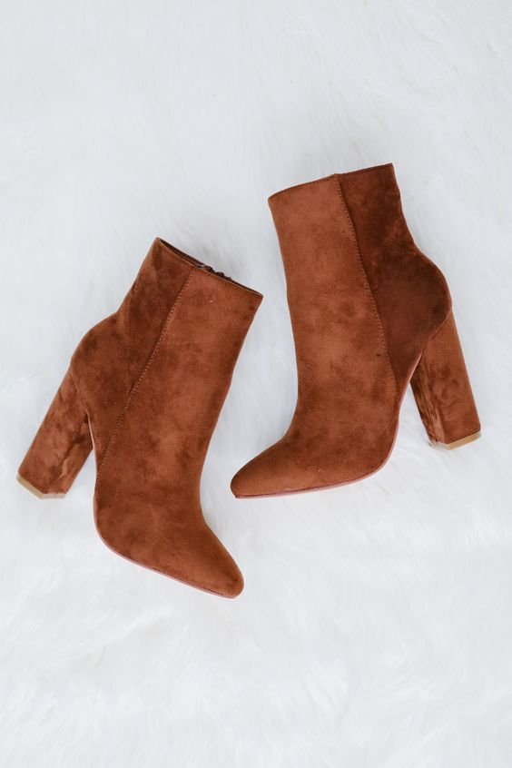 Caramel brown boots - clear spring neutrals